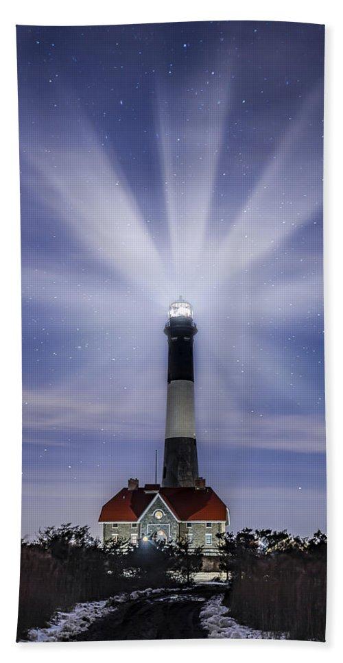 Fire Island Light Bath Sheet featuring the photograph Fire Island Lighthouse Twilight by Susan Candelario