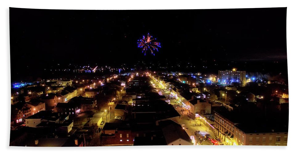 Fireworks Bath Sheet featuring the photograph Fireworks Over Hudson by Jonathan Simons