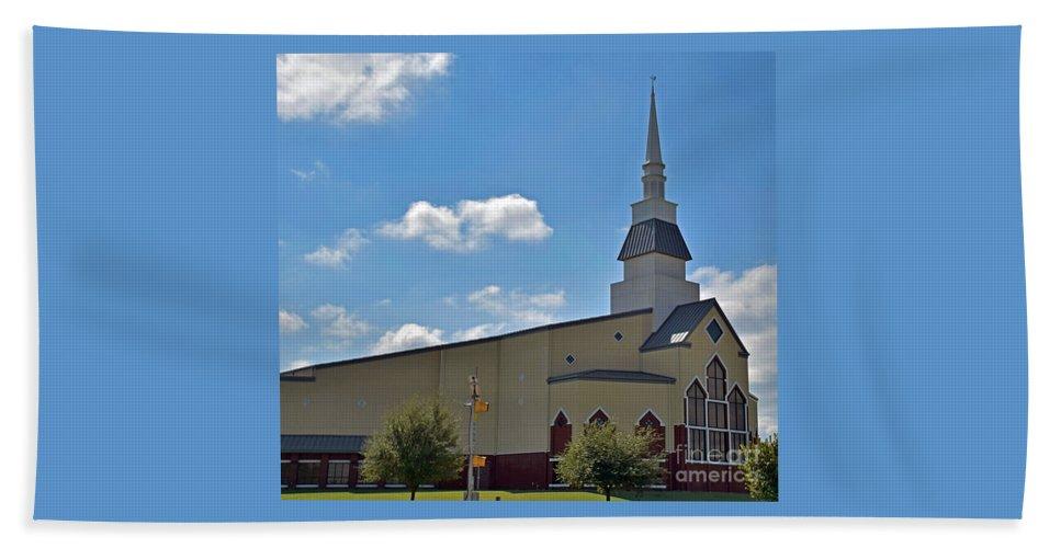 Beautiful Bath Sheet featuring the photograph First Baptist Church - Pflugerville Texas by Ray Shrewsberry