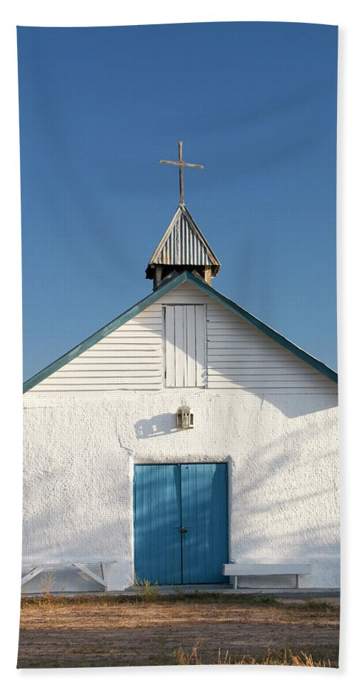 Southwest Hand Towel featuring the photograph First Service by Jim Benest