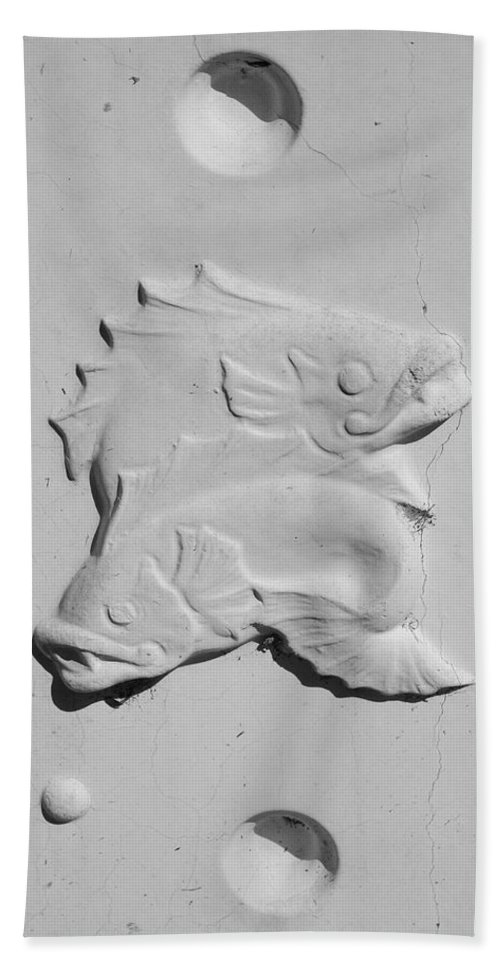 Black And White Bath Sheet featuring the photograph Fish And Bubbles by Rob Hans