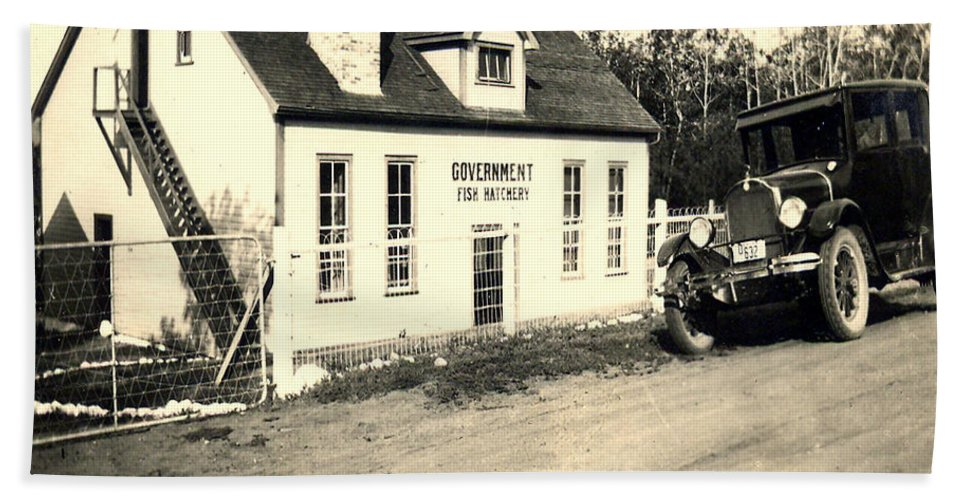 1920 Fish Hatchery Antique Car Old Automobile Saskatchewan Artist Building Pioneers Of Canada Hand Towel featuring the photograph Fish Hatchery by Andrea Lawrence