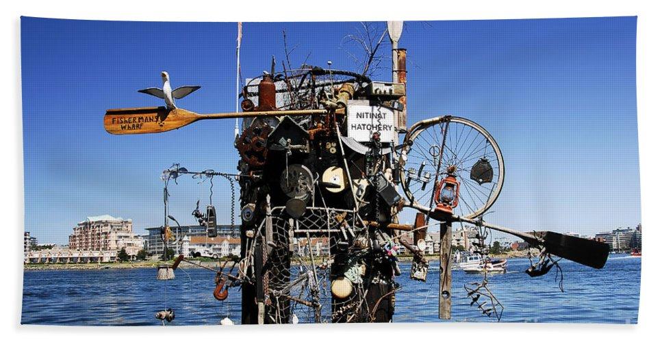 Fisherman Bath Towel featuring the photograph Fisherman's Wharf by David Lee Thompson