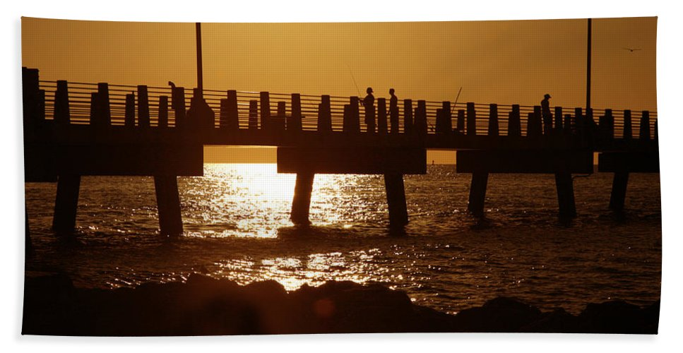 Fort De Soto Bath Towel featuring the photograph Fishing Off The Pier At Fort De Soto At Dusk by Mal Bray