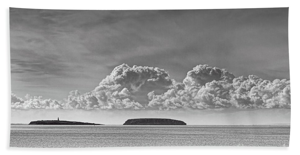Flat Holm Bath Sheet featuring the photograph Flat Holm And Steep Holm Mono by Steve Purnell