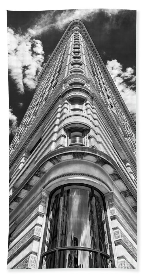 Flatiron Building Bath Sheet featuring the photograph Flatiron Building Nyc by Alissa Beth Photography