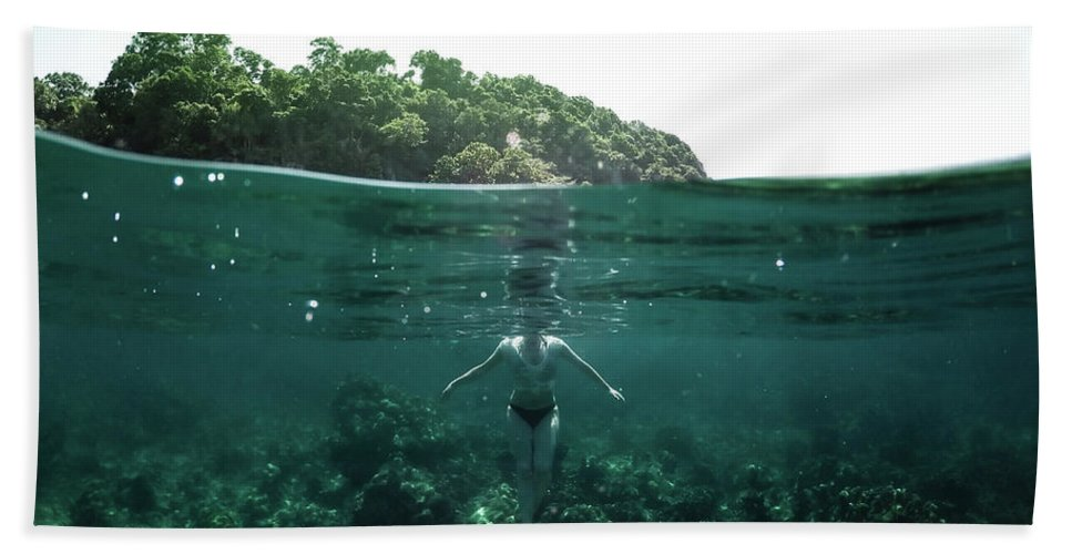 Underwater Hand Towel featuring the photograph Floating by Nicklas Gustafsson