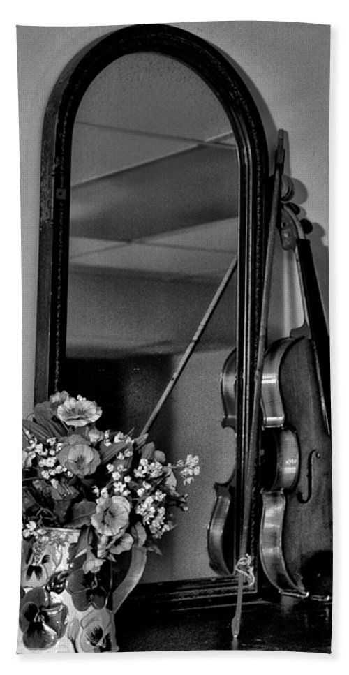 Flowers Bath Sheet featuring the photograph Flowers And Violin In Black And White by Bill Cannon