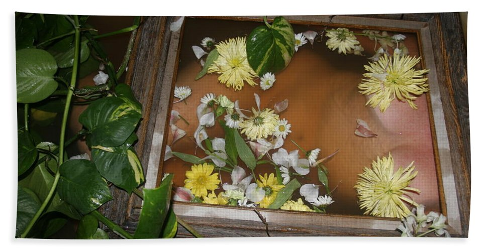 Lucky Cole Everglades Photographer Female Nude Everglades Bath Sheet featuring the photograph Flowers by Lucky Cole