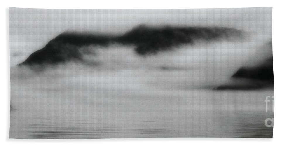 Foggy Bath Sheet featuring the photograph Fog In The Morning by Stanton Tubb