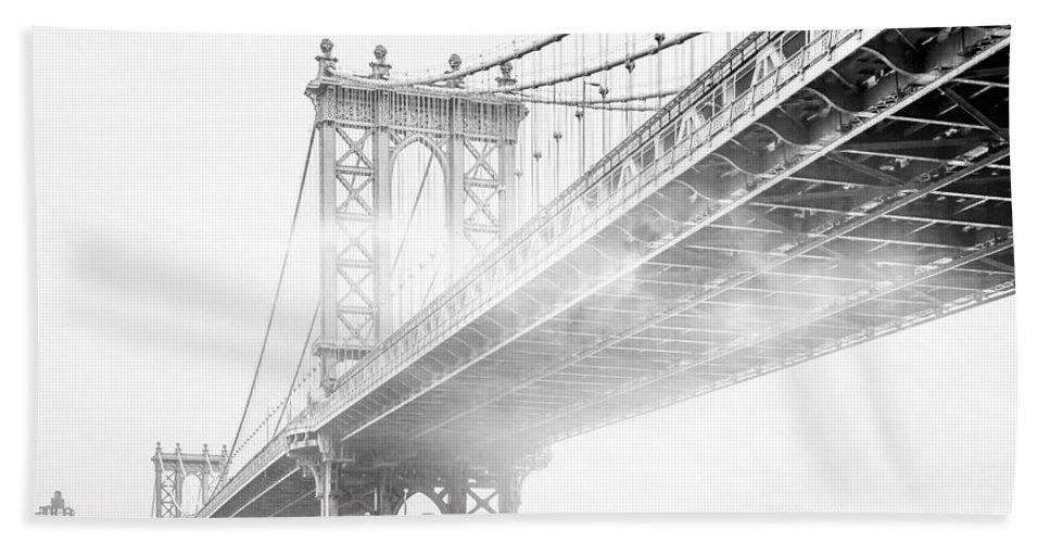 Manhattan Bridge Bath Towel featuring the photograph Fog Under The Manhattan BW by Az Jackson