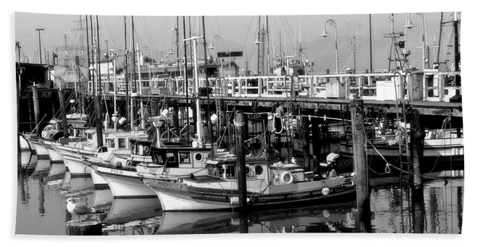 Boats Bath Sheet featuring the photograph Foggy Boats by Tom Reynen