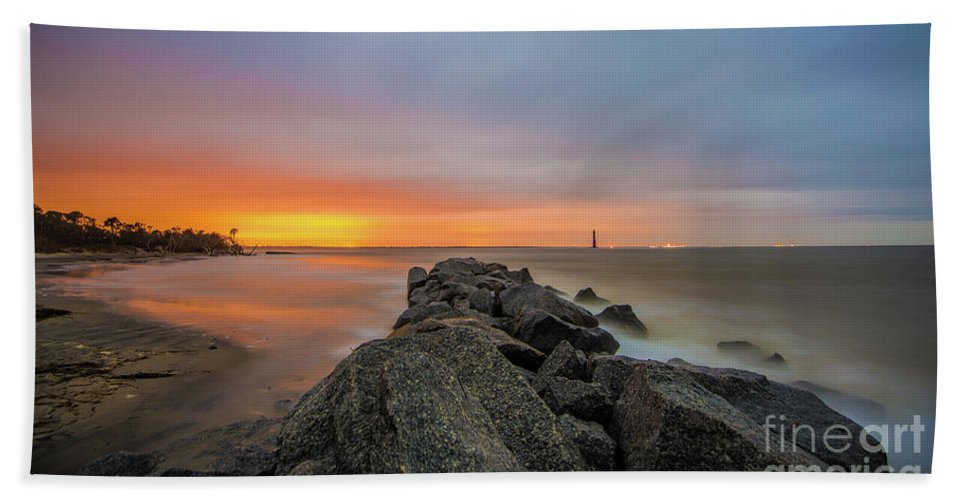Folly Beach Hand Towel featuring the photograph Folly Dolly by Robert Loe