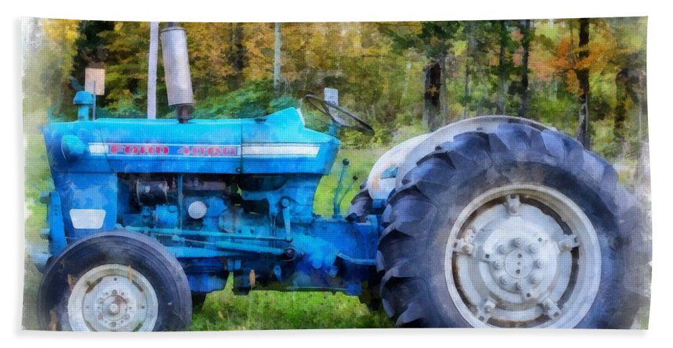 Tractor Hand Towel featuring the painting Ford 4000 Vintage Tractor by Edward Fielding