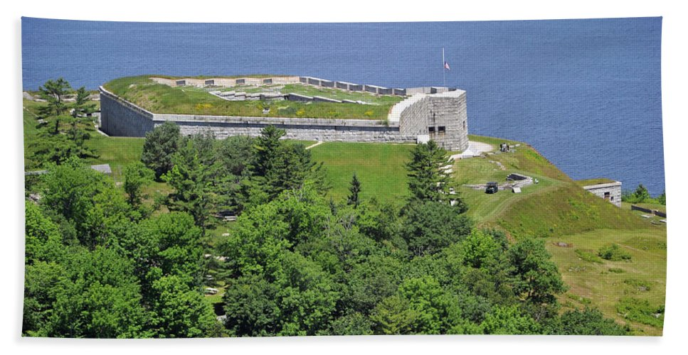 Fort Knox Hand Towel featuring the photograph Fort Knox Maine by Glenn Gordon