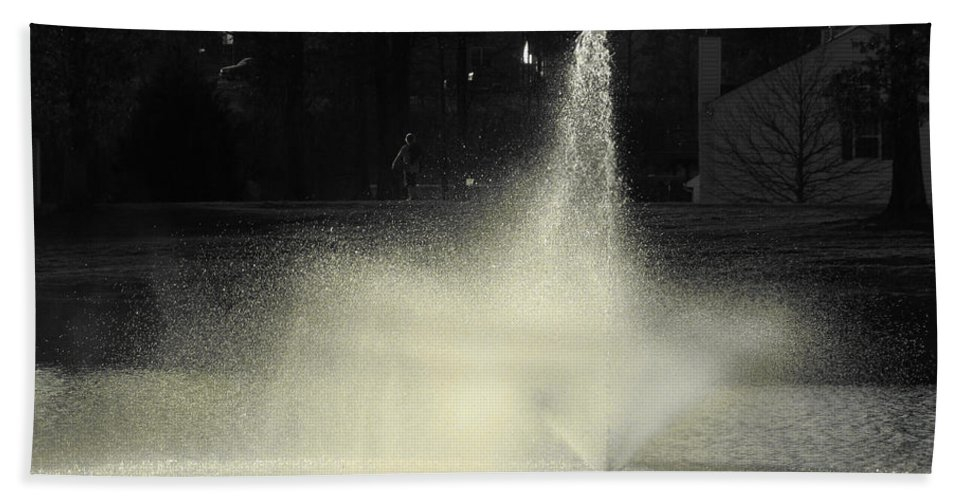 Water Hand Towel featuring the photograph Fountain by Sarah Houser