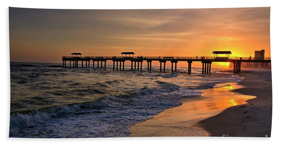 Landscape Bath Sheet featuring the photograph Four Seasons Sunset by Paul Lindner