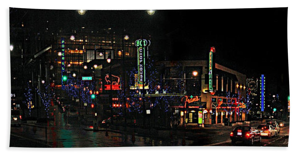 City Scape Bath Towel featuring the photograph Fourteenth and Main by Steve Karol
