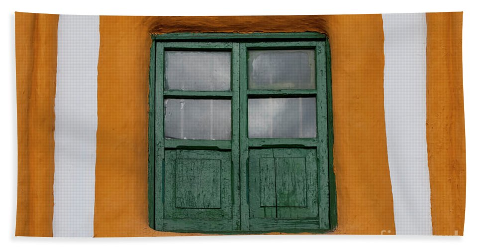 Cusco Hand Towel featuring the photograph Framed Window by Bob Phillips
