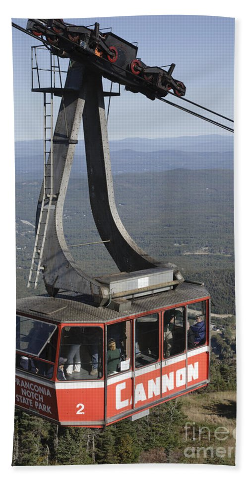 Franconia Notch Bath Towel featuring the photograph Franconia Notch State Park New Hampshire - Aerial Tramway by Erin Paul Donovan