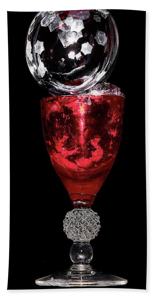 Red Hand Towel featuring the photograph Freezing Bubble by David Hayden