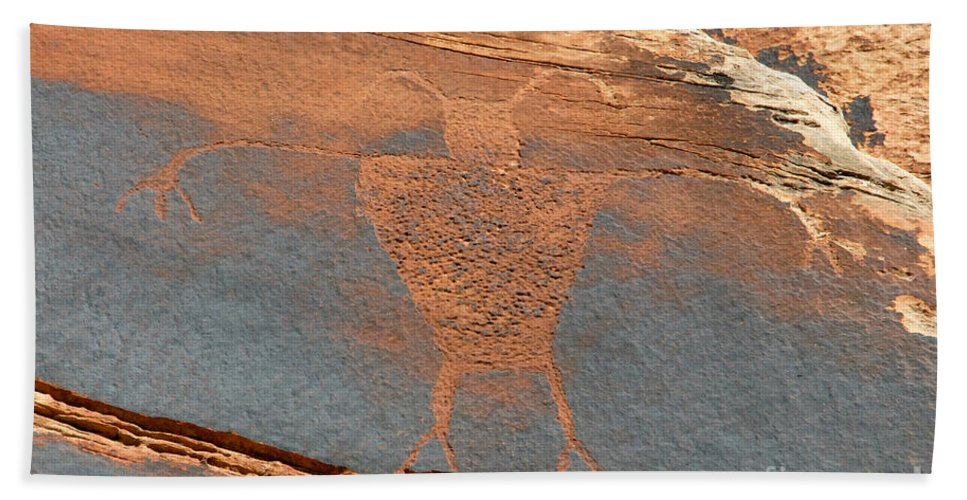 Petroglyph Hand Towel featuring the photograph Fremont Man by David Lee Thompson