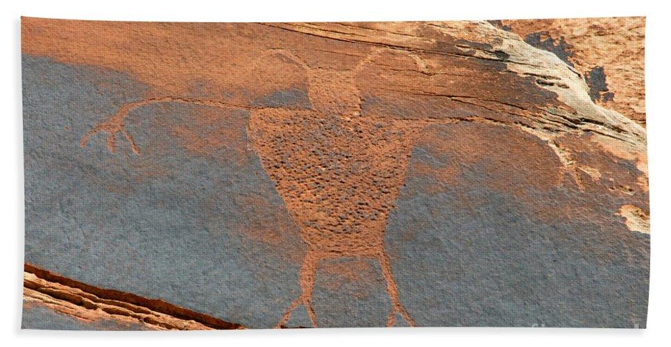 Petroglyph Bath Towel featuring the photograph Fremont Man by David Lee Thompson