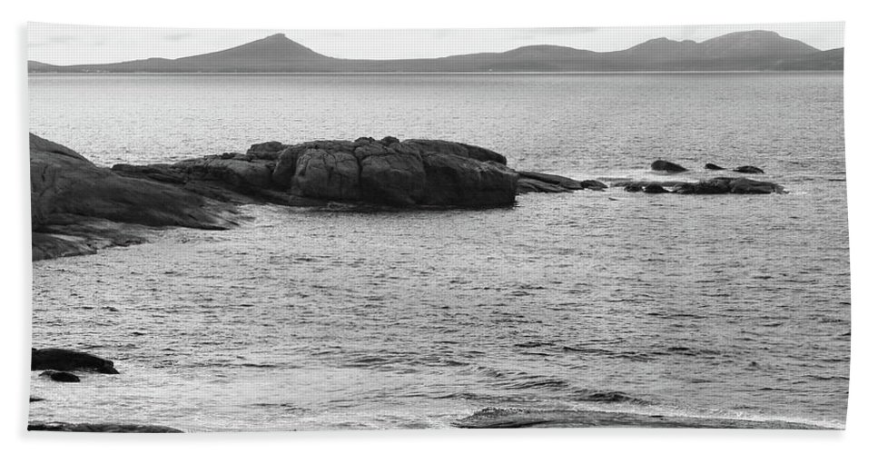 Digital Black And White Photo Bath Sheet featuring the photograph Esperance Bay Bw by Tim Richards