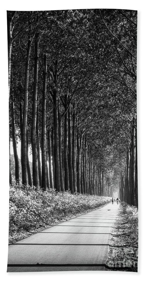 Brugges Bath Sheet featuring the photograph From Bruges To Dam by Doug Sturgess