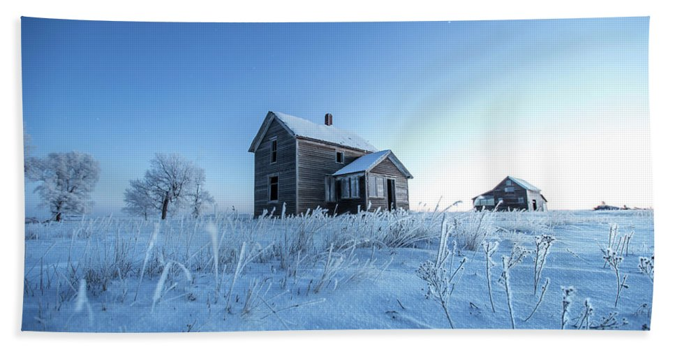 Montrose Bath Towel featuring the photograph Frosted by Aaron J Groen