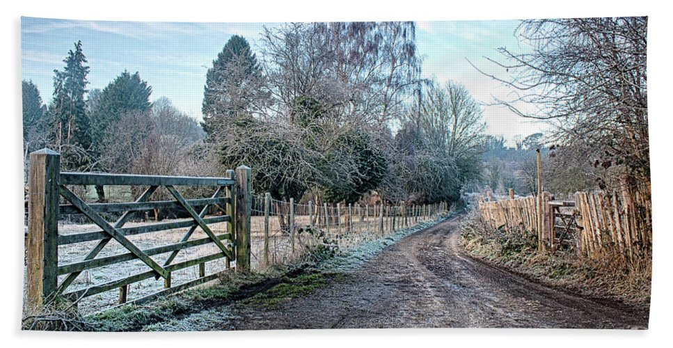 Loose Valley Bath Sheet featuring the photograph Frosty Lane by Dave Godden