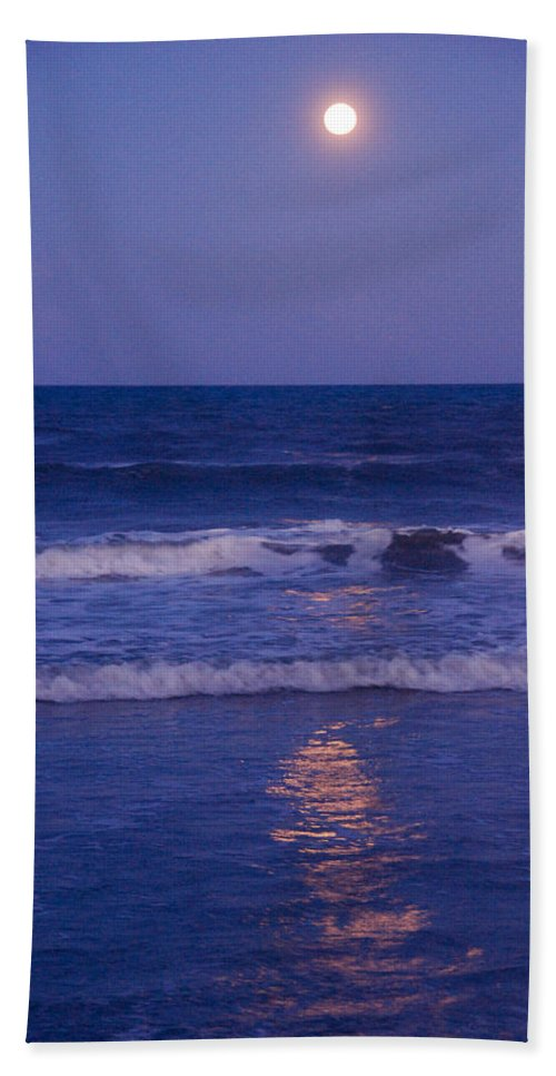 Moon Hand Towel featuring the photograph Full Moon Over The Ocean by Susanne Van Hulst