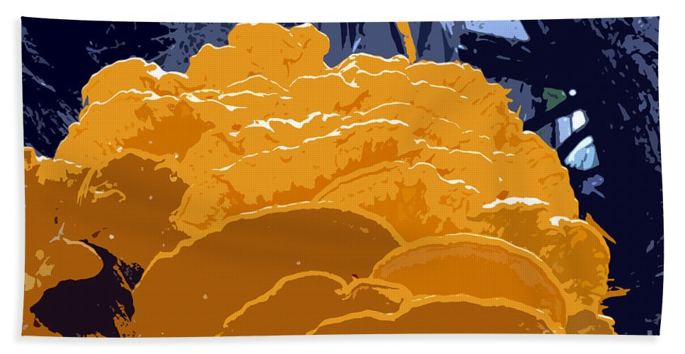 Fungi Bath Towel featuring the photograph Fungi Work Number 4 by David Lee Thompson