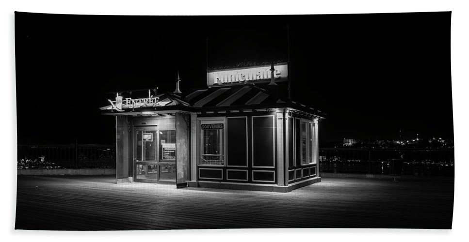 B&w Bath Sheet featuring the photograph Funicular Ticket Booth At Night In Black And White by Karen Foley