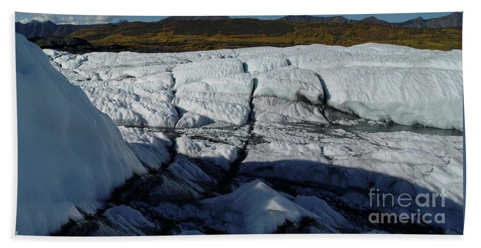 Glacier Bath Sheet featuring the photograph Gacier Contrasts by Ron Bissett