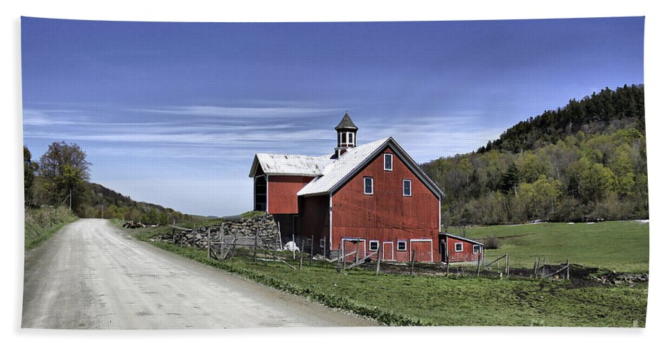 Rural Hand Towel featuring the photograph Gallop Road Barn by Deborah Benoit