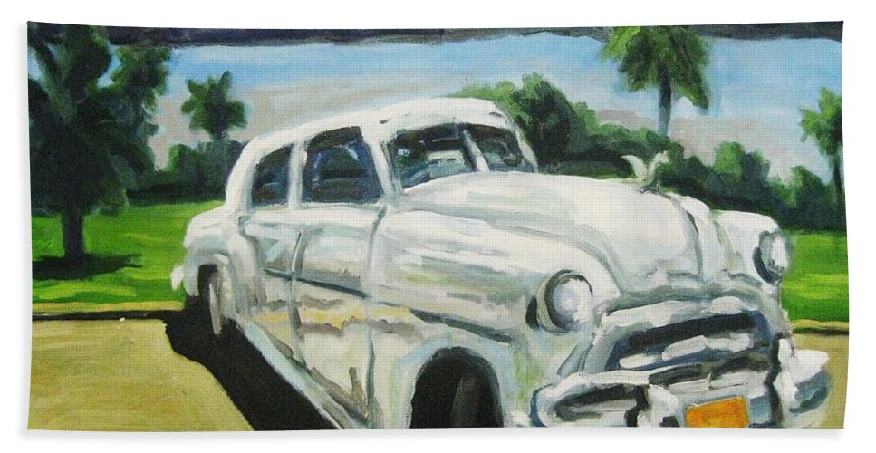 Old Cars Bath Towel featuring the painting Gangsters On Vacation by John Malone