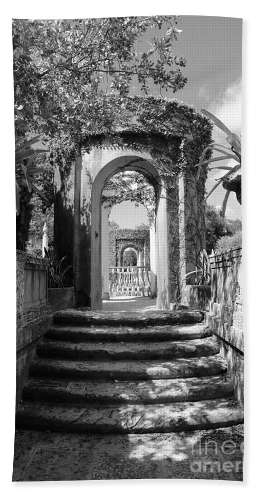 Black And White Bath Sheet featuring the photograph Garden Arches Of Vizcaya - Black And White by Carol Groenen