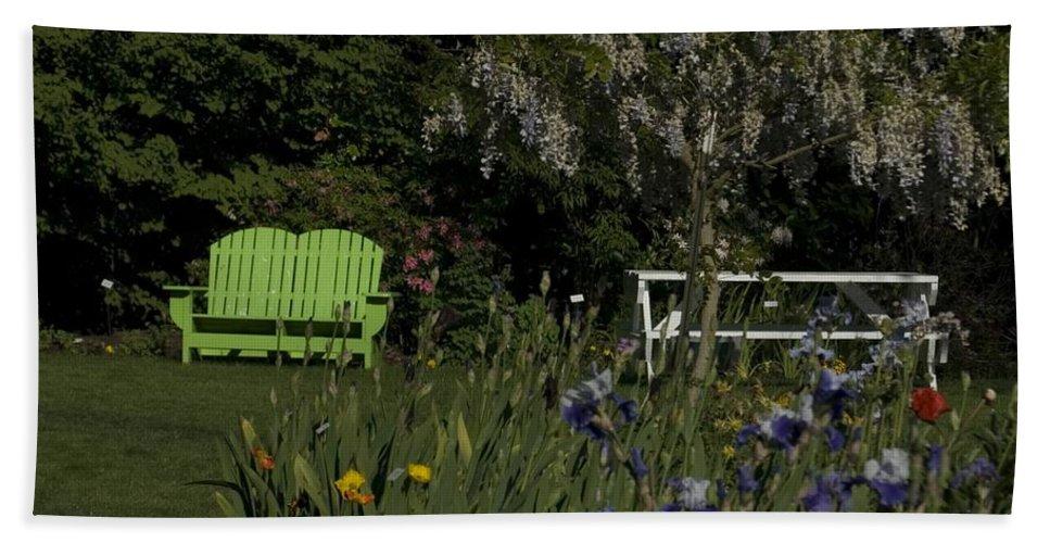 Garden Bath Sheet featuring the photograph Garden Bench Green by Sara Stevenson