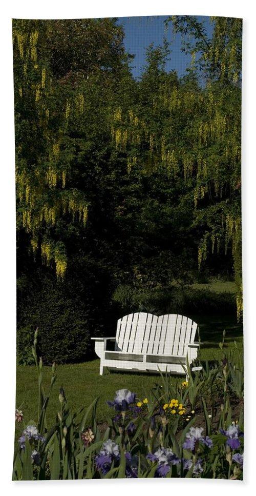 Garden Bench Bath Sheet featuring the photograph Garden Bench White by Sara Stevenson