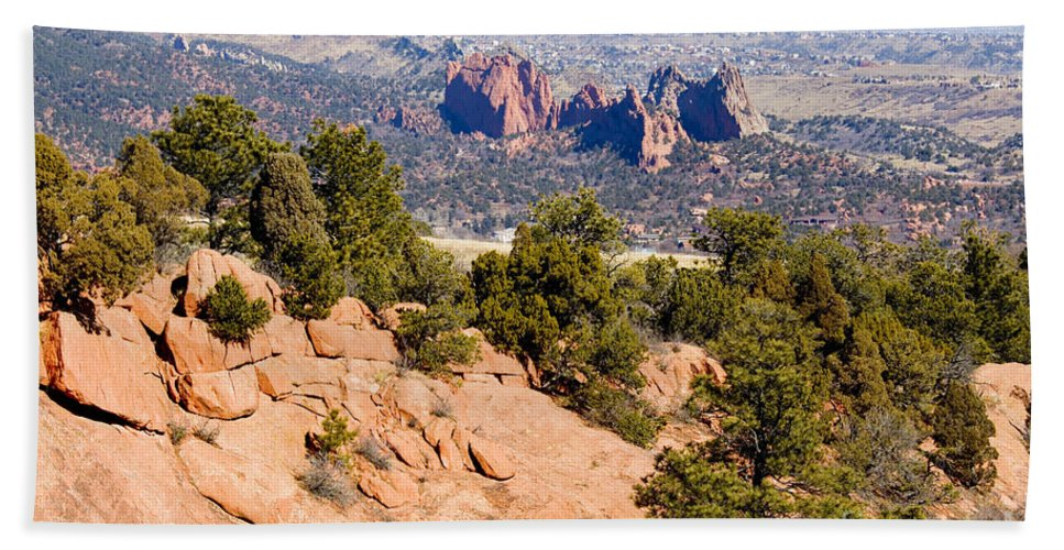 Garden Of The Gods Hand Towel featuring the photograph Garden Of The Gods And Springs West Side by Steve Krull