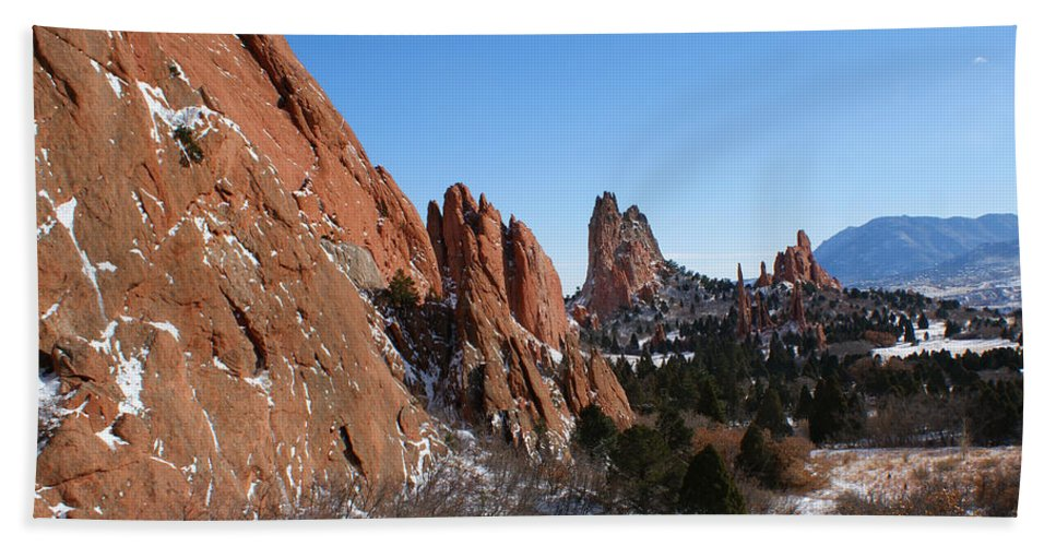 Colorado Hand Towel featuring the photograph Garden Of The Gods Winter by Ernie Echols