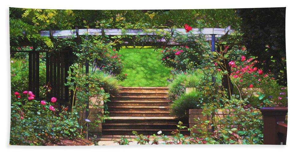 Garden Trellis Hand Towel featuring the photograph Garden Trellis by Patti Whitten