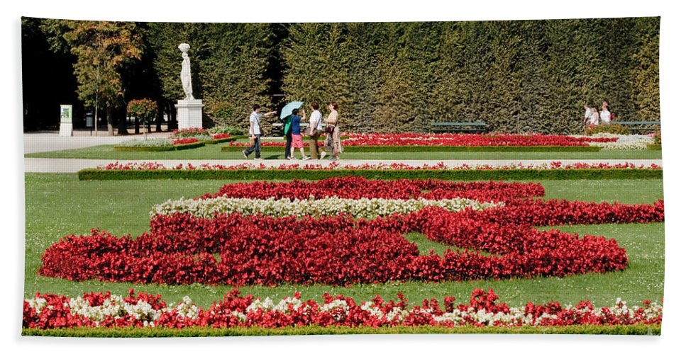 Schonbrunn Palace Hapsburg Vienna Austria Castle Garden Hand Towel featuring the photograph Gardens Of The Schloss Schonbrunn Vienna Austria by Thomas Marchessault