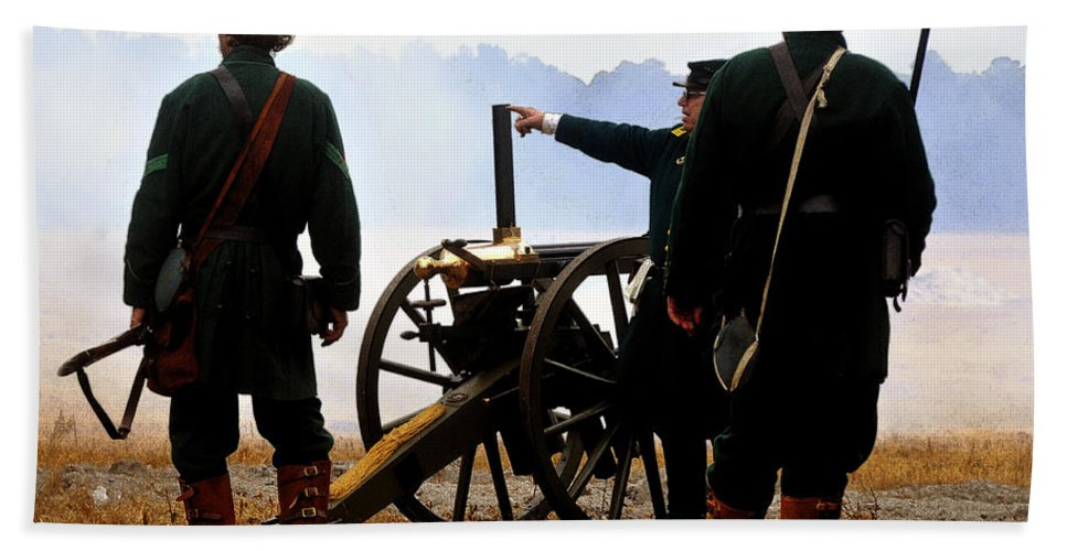 Gatling Gun Hand Towel featuring the painting Gatling Gun On The Battle Field by David Lee Thompson