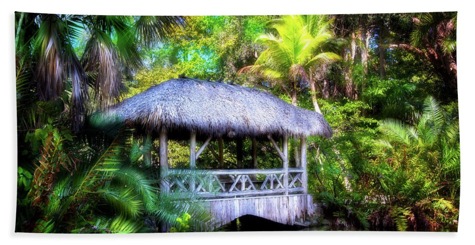Gazebo Hand Towel featuring the photograph Gazebo In Paradise by Mark Andrew Thomas