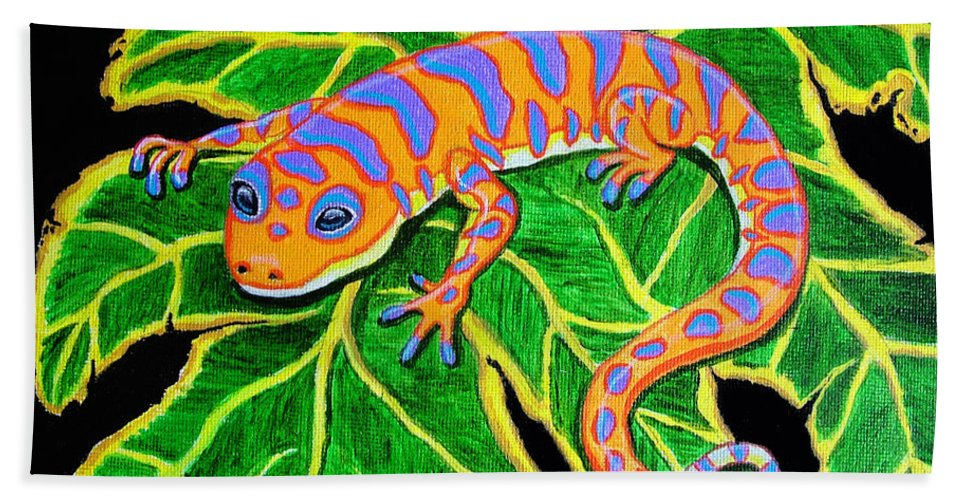 Gecko Bath Sheet featuring the painting Gecko Hanging On by Nick Gustafson