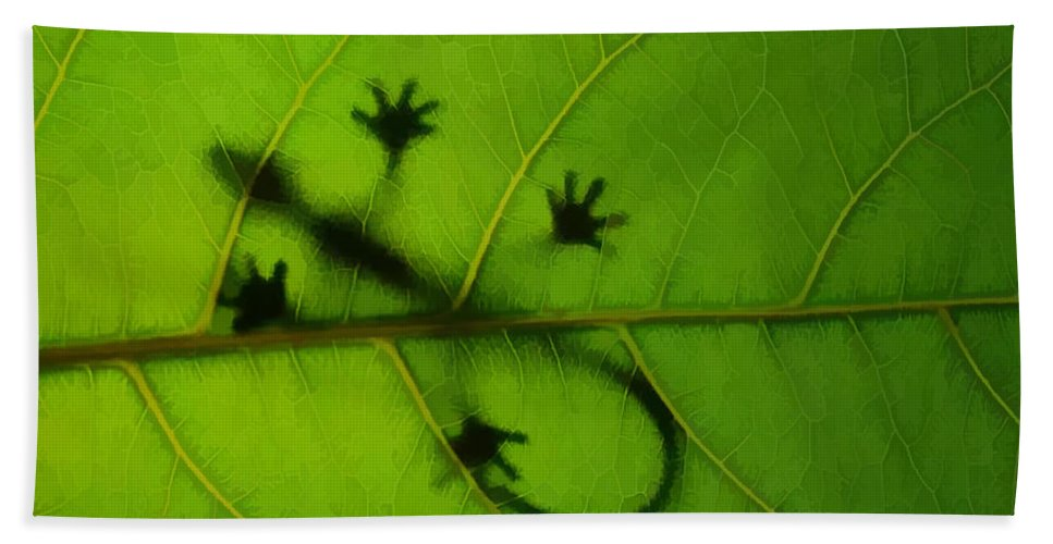 Gecko On A Leaf Bath Sheet featuring the painting Gecko On A Leaf by Jeelan Clark