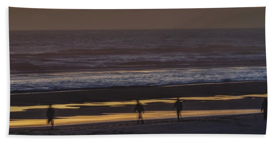 Sunset Hand Towel featuring the photograph Ghostly Sunset Walk by Lindley Johnson