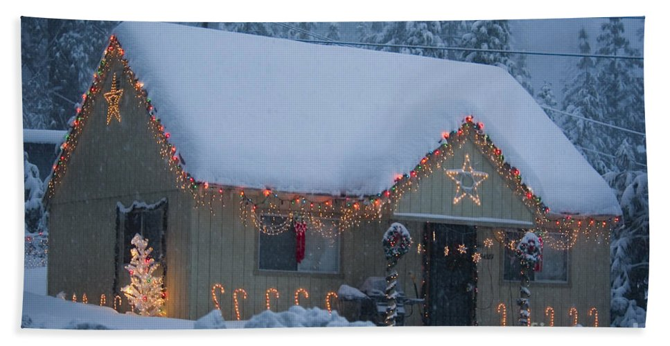 Snow Hand Towel featuring the photograph Gingerbread House In Snow by Jim And Emily Bush